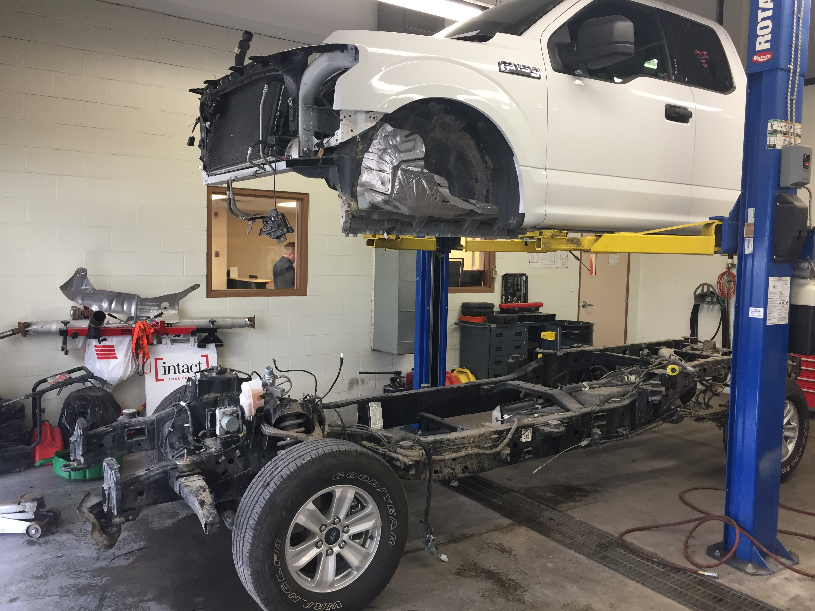 Calgary Body Frame Straightening l All Makes Collision Centre